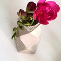 Beton poliéder váza, Dekoráció, Otthon, lakberendezés, Kaspó, virágtartó, váza, korsó, cserép, Kerti dísz, Mindenmás, A betometria folyamatosan megújuló formákkal jelentkezik, az alapanyag miatt és mert kézzel készüln..., Meska