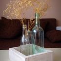 Három váza fa dobozban, Dekoráció, Esküvő, Otthon, lakberendezés, Kaspó, virágtartó, váza, korsó, cserép, Famegmunkálás, Festett tárgyak, Újrahasznosított üvegből készült Vintage hatású váza fa dobozban. Három különböző méretű üveg valam..., Meska