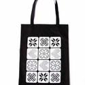 Fekete bevásárló szatyor modern keresztszemes csillagokból és piktogrammokból, Táska, Magyar motívumokkal, Válltáska, oldaltáska, Szatyor, Kb. 30x40cm-es vászon szatyor, melyre keresztszemes mintából, piktogrammokból és betűkből kialakítot..., Meska