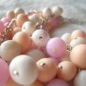 Rózsaszín-bézs-fehér  gyöngyös nyaklánc, Ékszer, óra, Nyaklánc, Gyurma, Ékszerkészítés, Kézzel készítettem süthető gyurmából minden egyes gyöngyöt ezen gyönyörű a rózsaszin-bézs-fehér lánc..., Meska