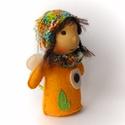 Virágtündér, Játék, Dekoráció, Plüssállat, rongyjáték, Baba, babaház, Baba-és bábkészítés, Kötés, Virágtündér 15 cm magas, bájos kis teremtmény. Arca pamutból készült, hímzett, teste gyapjúfilc. Ha..., Meska