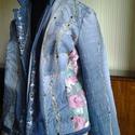 AKCIO vintage virágmintás farmer kabát, Ruha, divat, cipő, Női ruha, Kabát, Felsőrész, póló, Újrahasznosított alapanyagból készült termékek, Varrás, Farmer anyagból készült egyedi,virágmintás farmer anyaggal kombinált rövid kabátka. Mérete 42-44 Mo..., Meska