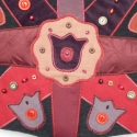 Bordó, tulipános, szives válltáska, Ruha, divat, cipő, Táska, Magyar motívumokkal, Válltáska, oldaltáska, Patchwork, foltvarrás, Varrás, Gondosan összeválogattam bordó, lila és piros anyagaimat és ebből készítettem el, ívelt formájú tás..., Meska