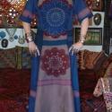 AKCIÓS!!!! Kék-piros-rózsaszín, csipkés ruha, Ruha, divat, cipő, Női ruha, Ruha, Felsőrész, póló, Horgolás, Varrás, Festett lenvászonból és pamutvászonból készült, lefelé bővülő, rövid ujjú, hosszú ruha. Elejét, piro..., Meska