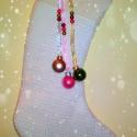 Vintage karácsonyi zokni, Otthon, lakberendezés, Lakástextil, Varrás, Vintage stílusú, natúr színű karácsonyi zokni üveggömbökkel, csipkével, gyöngyökkel, szalagokkal.  ..., Meska