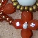Herendi porcelán nyaklánc, Ékszer, óra, Medál, Nyaklánc, Gyöngyfűzés, Színeiben, és formájában kecses porcelánra emlékeztető nyaklánc. Alul egy nagy, hófehér kerámia gyö..., Meska