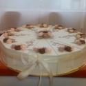 Nászajándék átadó torta -extra nagy, Esküvő, Nászajándék, Esküvői dekoráció, Papírművészet, 30 cm átmérőjű, extra nagy nászajándék átadó torta. Beige alapszíne és a  rózsák 3 féle színe a men..., Meska