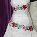 Kalocsai minta menyasszonyi ruhára, Esküvő, Magyar motívumokkal, Menyasszonyi ruha, Hímzés, Ha szeretnéd a menyasszonyi ruhádra ezt a gyönyörű felvarrhatós kalocsai mintát, akkor írj üzenetet..., Meska