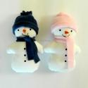 Hóember pár, Játék, Dekoráció, Plüssállat, rongyjáték, Karácsonyi, adventi apróságok, Varrás, Hófehér pamut anyagból varrtam a hóemberkéket, puha termo sálat és sapkát kaptak, ezek levehetőek. ..., Meska