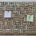 Parafa üzenőtábla 60x40cm, Dekoráció, Otthon, lakberendezés, Kép, Falikép, Mindenmás, Újrahasznosított alapanyagból készült termékek, Eladasra kinalom ezt az egyedi parafa uzenotablat. Egy parafa tablara ragasztottam kulonbozo boros ..., Meska