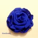 kék virágom , Ékszer, óra, Bross, kitűző, Varrás, Királykék selyemből készült ez a szép kis rózsa.  Ha neked más színben tetszik, tudok hasonlót kész..., Meska