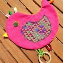 Kismadár Pink - madárkás címkerongyi, alvóskendő, nyálkendő, Baba-mama-gyerek, Játék, Készségfejlesztő játék, Gyerekszoba, Varrás, Patchwork, foltvarrás, Ez a játékos címkerongyi a Borgica Baby kollekció egyik vidám darabja!  A színes pamut dekor anyag é..., Meska