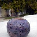 Geometrikus mécsestartó, Dekoráció, Dísz, Ünnepi dekoráció, Kerámia, Csodás kék színű lyukacsos mécsestartót készítettünk. A díszítés kacskaringós-végtelenbefutó geomet..., Meska