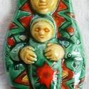 Székelyföldi piros zöld Babba Mária, Képzőművészet, Magyar motívumokkal, Szobor, Kerámia, Kerámia, A kis szobrocskát fehér agyagból készítettem, majd piros,sárga és  zöld mázzal díszítettem.   A szo..., Meska
