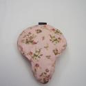 Rózsaszín virágos nyeregvédő, Ruha, divat, cipő, Mindenmás, Baba-mama-gyerek, Mindenmás, Varrás, Romantikus, univerzális méretű, vízlepergető nyeregvédő.  A bring a bag nyeregvédők különleges, ált..., Meska