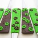 zöld barna virágos kanál készlet, Konyhafelszerelés, Gyurma, Barátnőm számára készült ez a konyhájával harmonizáló zöld-barna virágos kanál készlet.   Ha Te is ..., Meska