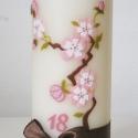 tavaszi cseresznyevirágzás gyertya, Dekoráció, Esküvő, Otthon, lakberendezés, Gyertya, mécses, gyertyatartó, Gyertya-, mécseskészítés, Megrendelésre készítettem a képen látható gyertyát, melyet viaszfólia, némi strasszkő és csokibarna..., Meska