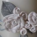 fehér-ezüst rózsa mintás gyertya ezüstlakodalomra, esküvőre..., Otthon, lakberendezés, Dekoráció, Gyertya, mécses, gyertyatartó, Ünnepi dekoráció, Gyertya-, mécseskészítés, Gyurma, Hangi megrendelésére díszítettem a képen látható gyertyát.    Minden virágfejet süthető gyurmából f..., Meska