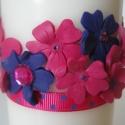pink-lila csajos gyertya, Otthon, lakberendezés, Dekoráció, Gyertya, mécses, gyertyatartó, Dísz, Gyurma, Gyertya-, mécseskészítés, Megrendelésre díszítettem a képen látható gyertyát, amelyhez pink és lila gyurmából formált virágok..., Meska
