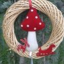 Karácsonyra várva, Karácsonyi, adventi apróságok, Karácsonyi dekoráció, Virágkötés, 25 cm. koszorút díszítettem nemez gombával, rénszarvassal, szánnal és csengettyűvel., Meska