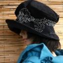 """""""Andersen"""" kalap - sötétkék kordbársony-kalap, Ruha, divat, cipő, Kendő, sál, sapka, kesztyű, Sapka, Női ruha, Varrás, Sötétkék mikro-kordból készült jól hordható selyemmel bélelt """"mesebeli"""" kalap. Nagy feltűrhető kari..., Meska"""