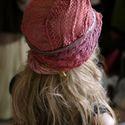 """""""Art deco"""" flapperkalap - bordó csipkés művészkalap, Ruha, divat, cipő, Kendő, sál, sapka, kesztyű, Sapka, Női ruha, Varrás, Festett tárgyak, A '20-as évek stílusában készült csipkeborítású puha filckalap selyembéléssel. A vintage-csipkét, h..., Meska"""