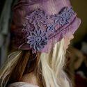 Art deco lila kalap, Ruha, divat, cipő, Kendő, sál, sapka, kesztyű, Sapka, Női ruha, Varrás, Mindenmás, Art deco - lila kalap Egyedi darab. A '20-as évek stílusában készült csipkeborítású puha filckalap ..., Meska