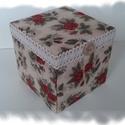 Romantikus rózsás doboz, Mindenmás, Dekoráció, Mindenmás, Papírmasé doboz, rózsás textil, pamutcsipke és fagomb felhasználásával, cartonage technikával készí..., Meska