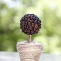 Mini kávé virág, Dekoráció, Otthon, lakberendezés, Kaspó, virágtartó, váza, korsó, cserép, Dísz, Mindenmás, Kávé virág, aminek a virága polisztirol golyóra ragasztott kávészemek adják, a cserepet hagyományos..., Meska