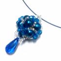 Kék gyöngy óriásbogyó, Ékszer, óra, Nyaklánc, Gyöngyfűzés, Ékszerkészítés, A kék árnyalataiban pompázó üveg tekla és csiszolt gyöngyökből készült bogyó memória sötétkék sodro..., Meska