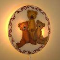 Klasszikus teddy mackó falilámpa - classic teddy bear, Otthon, lakberendezés, Esküvő, Lámpa, Nászajándék, Festett tárgyak, Üvegművészet, Klasszikus teddy macik (classic teddy bear) teszik elbűvölővé ezt az üvegre festett fali lámpát, me..., Meska