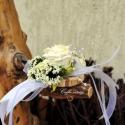 Csuklódísz fehér habrózsával, Dekoráció, Esküvő, Ékszer, óra, Virágkötés, Mindenmás, Divatos kiegészítője az esküvőknek a csuklódísz. Adhatjuk a hölgy tanúnak, örömszülőknek, de a kiseb..., Meska