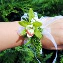 Csuklódísz orchideából, Dekoráció, Esküvő, Ékszer, óra, Virágkötés, Mindenmás, Divatos kiegészítője az esküvőknek a csuklódísz. Adhatjuk a hölgy tanúnak, örömszülőknek, de a kise..., Meska