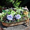 Zöldes-lilás őszi hangulat asztali dísz , Dekoráció, Esküvő, Otthon, lakberendezés, Dísz, 18 cm X 9 cm-es tálkába zöld és lila habrózsákat  tettem, őszi bogyókkal, kerámia madárkával díszíte..., Meska