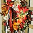 Kegyeleti-őszi selyemvirág koszorú, Dekoráció, Otthon, lakberendezés, Ünnepi dekoráció, Virágkötés, 20 cm-es drótalapra ragasztottam a gesztenyéket, selyem és habrózsákat, műnövénykete és mindenszent..., Meska