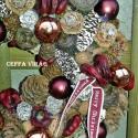 """""""Bordó csillogás"""" ajtódísz, kopogtató  , Dekoráció, Karácsonyi, adventi apróságok, Ünnepi dekoráció, Karácsonyi dekoráció, Virágkötés, 15 cm-es szalma alapra ragasztottam  terméseket, bogyókat, karácsonyi gömböket, karácsonyi szalagga..., Meska"""