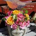 Madárkás, színes-vidám nyári asztal dísz  - anyák napjára, Esküvő, Otthon, lakberendezés, Ruha, divat, cipő, Esküvői csokor, Virágkötés, Fa hordót teles-tele ültettem tartós virágokkal. Selyem rózsák, habrózsák, kézzel készült agyagvirá..., Meska