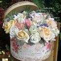 Egy vintage doboznyi virág tavaszi hangulatban - anyák napjára, Esküvő, Otthon, lakberendezés, Ruha, divat, cipő, Esküvői csokor, Virágkötés, Rózsás vintage dobozkába teles-tele tartós virágokat tettem. Selyem rózsák, habrózsák, tavaszi hang..., Meska