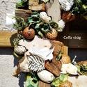 Natúr terméses koszorú - tavaszi ajtódísz kicsi, Dekoráció, Otthon, lakberendezés, Ünnepi dekoráció, Dísz, Mindenmás, Virágkötés, Ez a koszorú 20 cm nagyságú   Kisebb - nagyobb termések, száraz virág alkotja ezt a szalma alapra k..., Meska