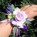 Csuklódísz lila habrózsából, Dekoráció, Esküvő, Ékszer, óra, Divatos kiegészítője az esküvőknek a csuklódísz. Adhatjuk a hölgy tanúnak, örömszülőknek, de a kiseb..., Meska