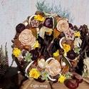 Őszi terméskoszorú ...  sárga-natúr, Dekoráció, Otthon, lakberendezés, Ünnepi dekoráció,  20 cm-es szalma alapra ragasztottam a gesztenyéket, terméseket, dísz alamát hogy a Te otthonodat dí..., Meska