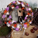 Színes - vidám ajtódísz nagy, Dekoráció, Otthon, lakberendezés, Ünnepi dekoráció, Dísz, Ez a koszorú 30 cm nagyságú   Kisebb - nagyobb termések, száraz virág alkotja ezt a szalma alapra ké..., Meska