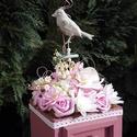 Tavaszi dobozka - sötét pink, fehér rózsákból, Dekoráció, Esküvő, Mindenmás, Húsvéti apróságok, Pink színű fiókos dobozkába fehér és sötét rózsaszín habrózsákat, selyem virágokat ültettem. Csinos ..., Meska