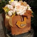 Őszi harmónia - Ceffa flowerbox, Dekoráció, Esküvő, Mindenmás, Esküvői csokor, Fa dobozkát béleltem oázissal - mohapamacsokat rögzítettem a felületére, majd fáradt rózsaszín habró..., Meska