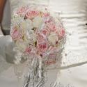 """RENDELHETŐ !!!\\\""""Rózsaszín romantika\\\"""" menyasszonyi körcsokor, Dekoráció, Esküvő, Esküvői csokor, Mindenmás, Virágkötés, Rendelésre készül - más színben is!!!  34 szál rózsaszín és fehér habrózsa,gyöngyös szalag és rózsa..., Meska"""