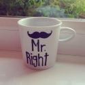 Mr. Right bögre, Dekoráció, Férfiaknak, Konyhafelszerelés, Bögre, csésze, Festett tárgyak, Kerámia, Mr. Right festett porcelán bögre. 8x6 cm. Kávézz reggel Mrs. Right-al. A már kész porcelán bögrét f..., Meska