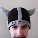 Viking sapka, Ruha, divat, cipő, Férfiaknak, Kendő, sál, sapka, kesztyű, Sapka, Horgolás, Varrás, Fekete-szürke színű horgolt viking sapka 2 szarvval. Felnőtt méretben készítettem el,de szívesen me..., Meska