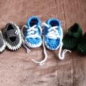 Horgolt babacipők 3db., Baba-mama-gyerek, Ruha, divat, cipő, Baba-mama kellék, Cipő, papucs, Horgolás, 3 db. horgolt babacipő pici lábakra. :) Talphosszuk 11cm. 1 db cipőfűzős, a másik kettő aranyos gom..., Meska