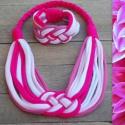 Pink-rózsaszín-fehér kelta csomós ékszerszett, Ékszer, óra, Karkötő, Ékszerkészítés, Újrahasznosított alapanyagból készült termékek, Klasszikus kelta csomós nyaklánc és karkötő kizárólag textilből készítve. Nem tartalmaz allergén an..., Meska