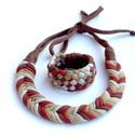 Tribequa/Fishbone barna hangualtú szett - textilékszer, Ékszer, óra, Mindenmás, Ékszerszett, Ékszerkészítés, Újrahasznosított alapanyagból készült termékek, FISHBONE nyaklánc TRIBEQUA karkötővel. Antiallergén, ahogy az a textilékszereimnél már megszokott. ..., Meska